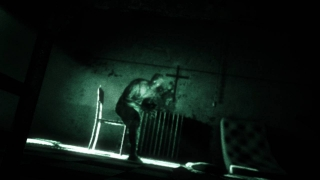 Giant Bomb: Quick Look Solo: Outlast
