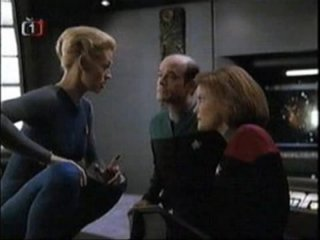 Confused Matthew: Awful Star Trek Voyager Moments