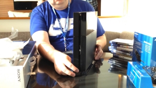Giant Bomb: Another PlayStation 4 Unboxing
